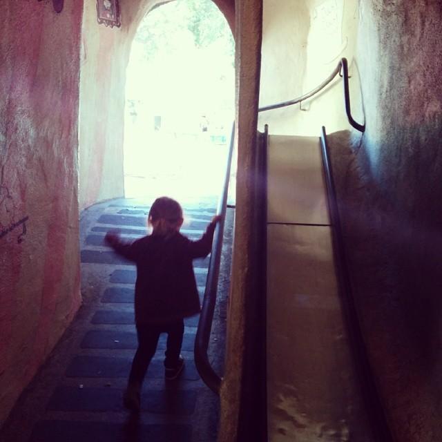 tunnel/slide