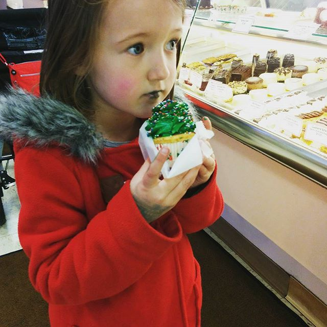 Christmas tree cupcake to celebrate last music class of the session