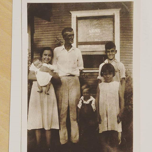 My grandparents Magnolia and Charles and their children. My mama is the baby.