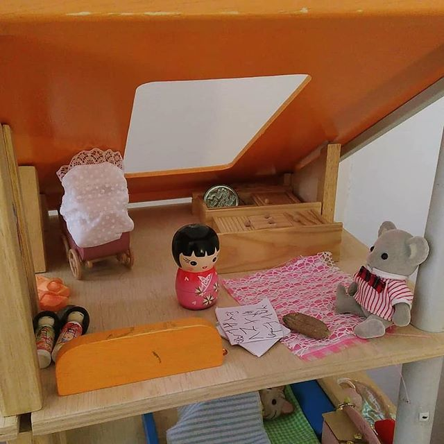 Emma's dollhouse set up